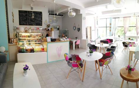 LokaLove Cafe