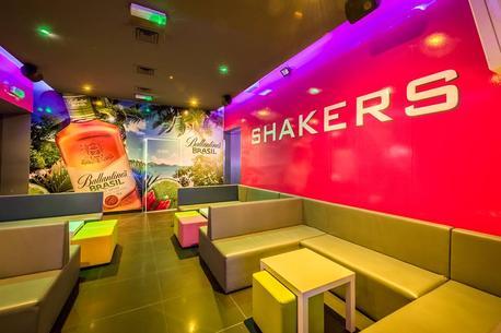 Impreza w SHAKERS